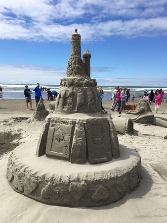 Long Beach, WA: close up of 2016's best castle: The Wonderland sculpture