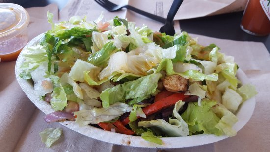 Port Saint Lucie, Φλόριντα: Chicken salad bowl... extra salad! Generous portion