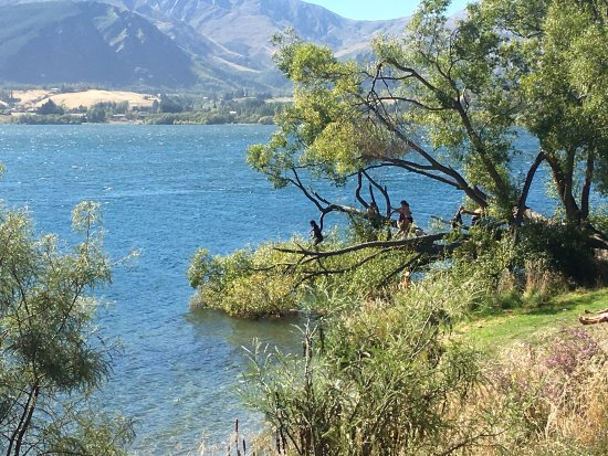 Arrowtown, Nova Zelândia: more jumping into lake opportunities