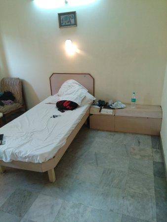 Srinivasa Hotel