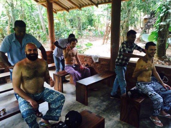 Katunayake, Sri Lanka: Eranga Kurera Tours