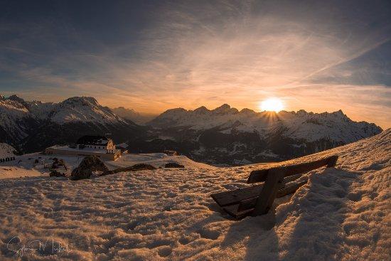 Samedan, Suiza: Aussicht vom Hügel oberhalb des Hotels