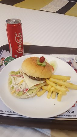 Hotel Suba International: Room service