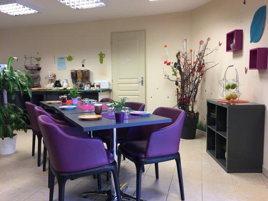 Adonis Valberg Résidence du Grand Hôtel : Salle du petit déjeuner.... excellent