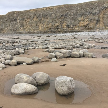 Monknash, UK: One of the most stunning beaches!