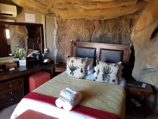 Kagga Kamma Private Game Reserve, Güney Afrika: Cave Suite