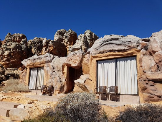 Kagga Kamma Private Game Reserve, Güney Afrika: Cave Suites from the outside