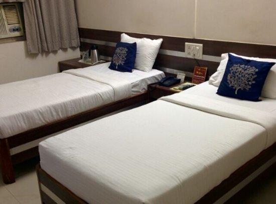 Hotel Tourist: goibibo_1489972386237_large.jpg
