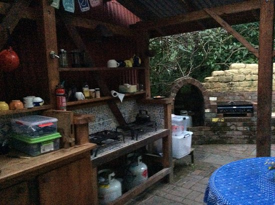 Okuti Garden: the open air kitchen accommodations