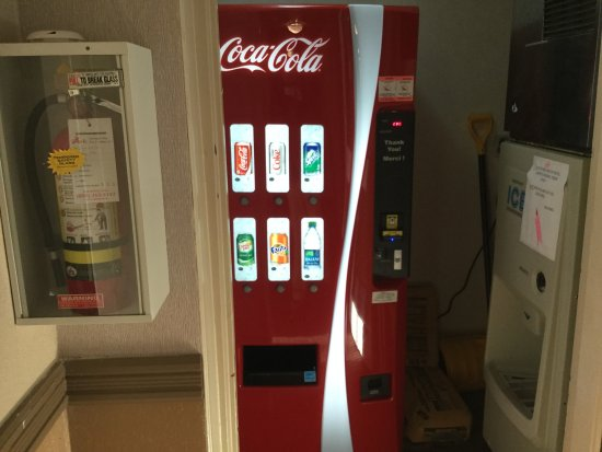 Owen Sound, Canada: Coke machine.