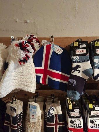 Hvammstangi, Islandia: Socks and caps