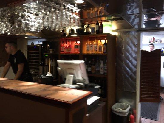 Medina, نيويورك: Bar area