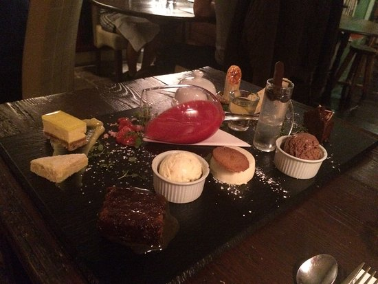 Boroughbridge, UK: All the desserts together