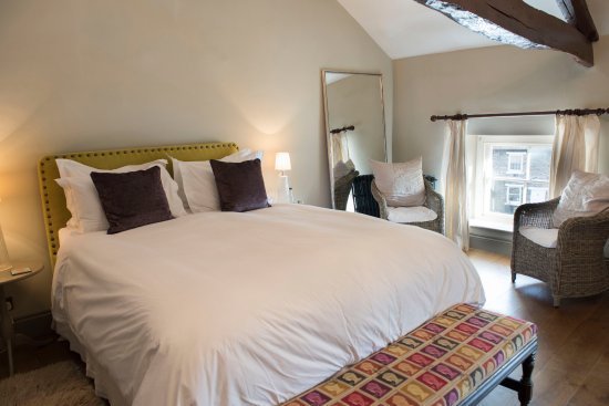 The Priory Guesthouse: Deluxe Double (The Castle View Room)