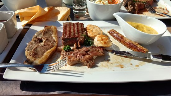 Ichtegem, Belgium: Mixt grill ,heel lekker en zeker genoeg