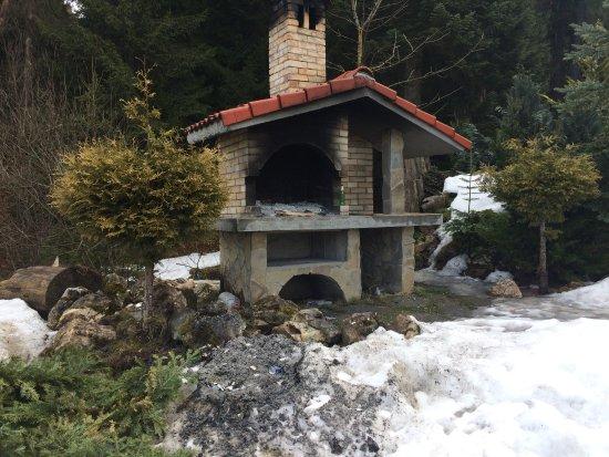 Cabana Schiorilor: here u can make a Barbecue !