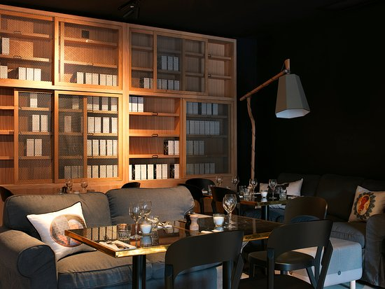 mob hotel paris les puces restaurant librairie photo. Black Bedroom Furniture Sets. Home Design Ideas