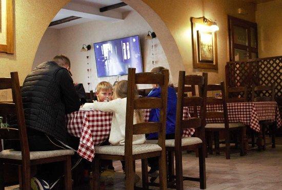 Slatina, Chorwacja: Restaurant 18