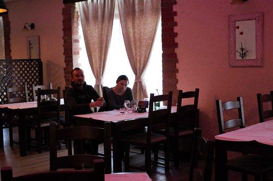 Slatina, Chorwacja: Restaurant 20