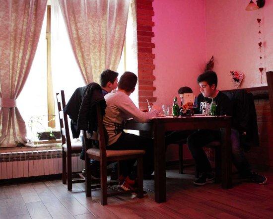 Slatina, Kroatien: Restaurant 21