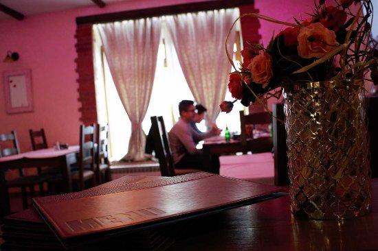 Slatina, Chorwacja: Restaurant 24