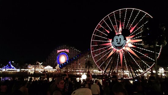 Disney's California Adventure: de pier by night