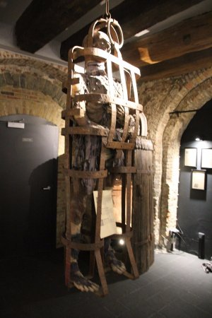 Torture Museum Oude Steen: Iron cage
