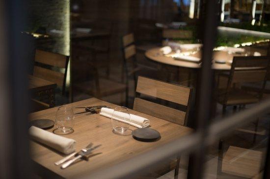 restaurant el portalet: detralle de servicio de mesa