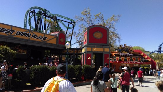Six Flags Magic Mountain : overview