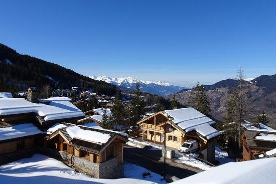 Alpine Escape : view from the upper balcony