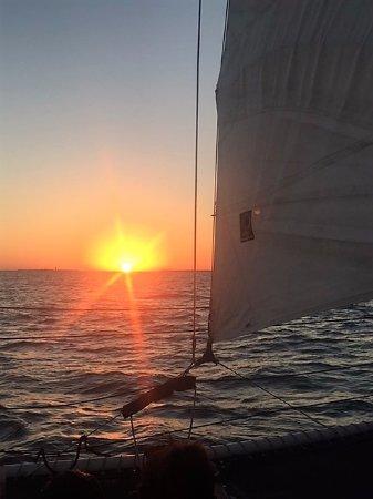 Catamaran Echo: beautiful sunset!