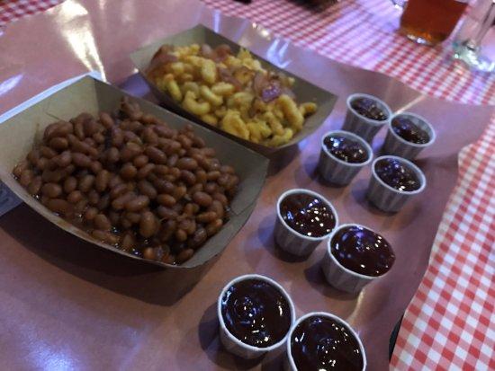 Okotoks, Canadá: beans and macaroni