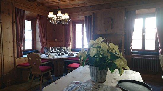 La Punt-Chamues-ch, Suiza: Die gemütliche Stube