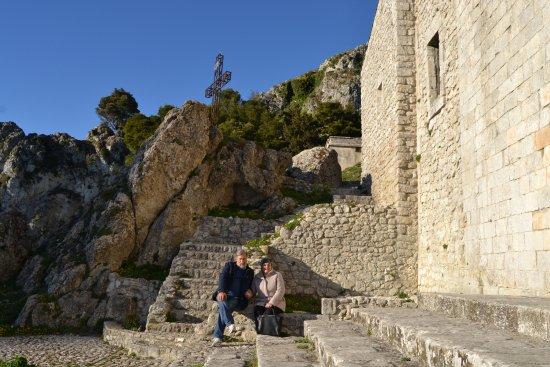 Caltabellotta, Italia: a fianco del sacrato