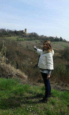 Camino, Italia: passeggiare immersi nel verde con ampia veduta su tutto il monferrato