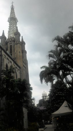 Jakarta Cathedral: Outside