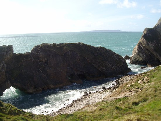 West Lulworth, UK: If this scenery does not stir the brain,nothing will!