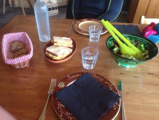 Taninges, France: Cuisine authentique savoyarde, un vrai régal !