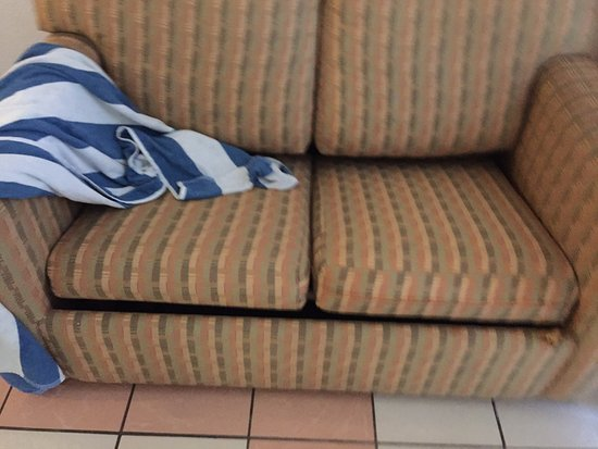Mision Mazatlan: los sillones en mal estado y super viejos