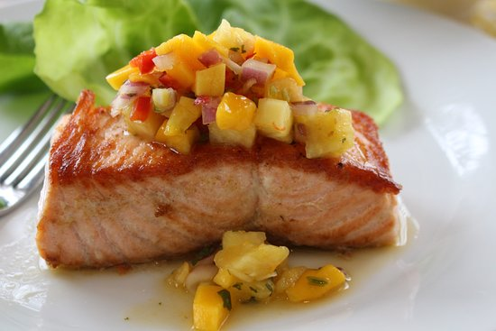 Greenwich, CT: Salmon with Mango Salsa