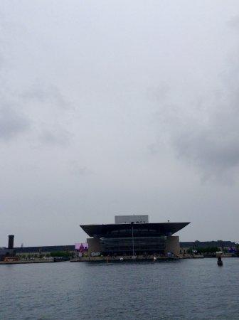 Photo of Monument / Landmark Copenhagen Opera House at Ekvipagemestervej 10, Copenhagen, Denmark