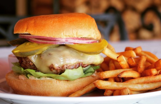 Greenwich, CT: Aux Delices Burger