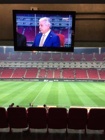 Estadio Omnilife: pantallas para ver repeticiones