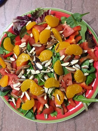Trinidad, CO: Mandarin Salad:   Baby spinach, tomatoes,  red pepper, sliced almonds & mandarin oranges