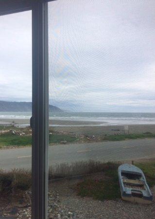 Anchor Beach Inn Photo