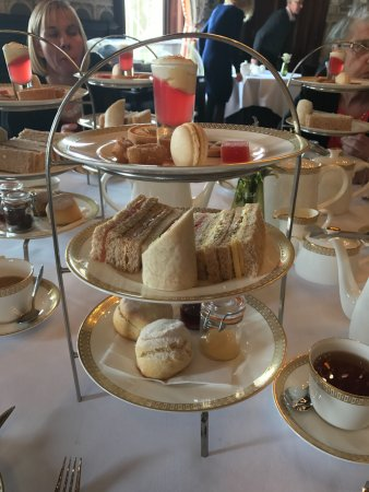The Lawns Restaurant at Thornton Hall: The Great Wirral Afternoon Tea