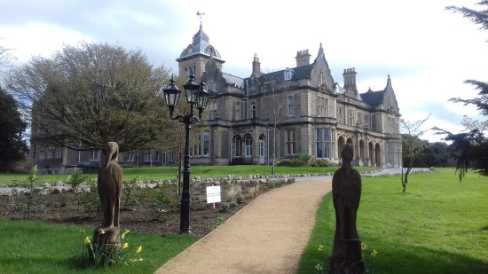 Entrance to Clevedon Hall from the car park