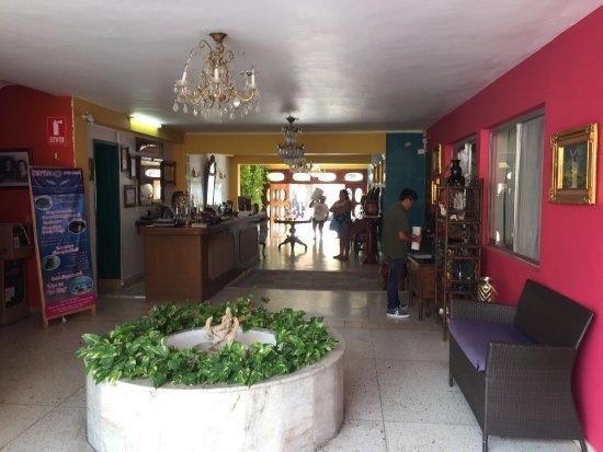 Hotel Mary Carmen: Entrada al Hotel!!!