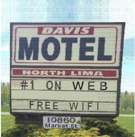 North Lima, OH: Davis Motel-A Sign of Good Taste
