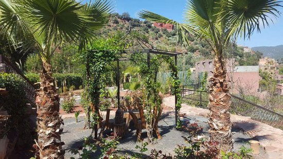Ourika Garden: Terrasse extérieure
